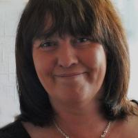 Angela Marsons: Bez tužky a papíru mi to nepíše