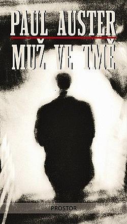 Muž ve tmě obálka knihy