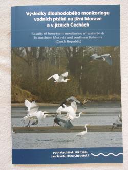 Výsledky dlouhodobého monitoringu vodních ptáků na jižní Moravě a v jižních Čechách obálka knihy