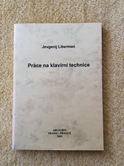Práce na klavírní technice obálka knihy