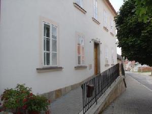 Knihovna Matěje Mikšíčka (Dačice)