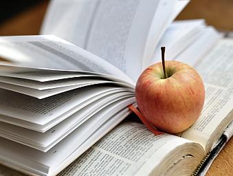 10 právě čtených knih podle uživatelů (únor)