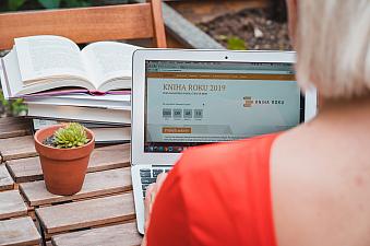 KNIHA ROKU: nová anketa pro všechny knihomoly