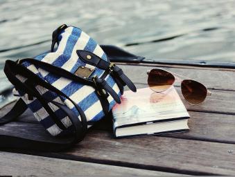 Léto s knihou - vyhrajte knihy za 2 000 Kč